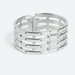 Sliver hinge bracelet
